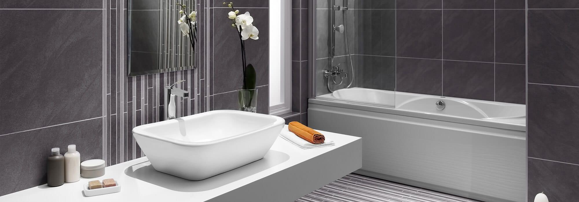 Pour les finitions des salles de bains, découvrez nos solutions de profilés et croisillons de carrelage
