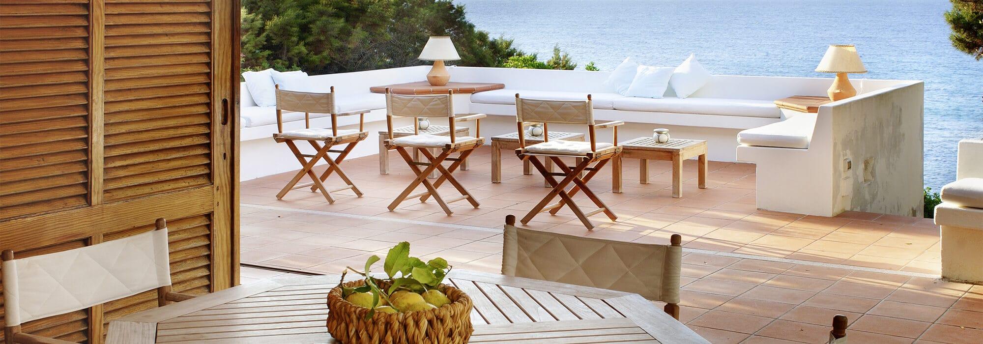 Pour les finitions de terrasse : Découvrez nos solutions de profilés et croisillons de carrelage